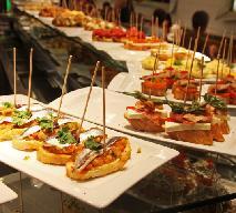 Tapas bary w Warszawie - gdzie można zjeść przysmaki hiszpańskiej kuchni?