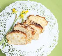 Babka z jabłkami - przepis na pyszne ciasto z kruszonką