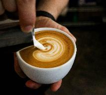 Zawód barista - jak zaparzyć dobrą kawę - taką jak w kawiarni?
