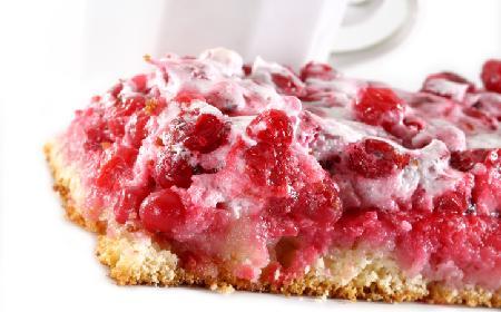 Ciasto z bezą porzeczkową - łatwy przepis na pyszny deser