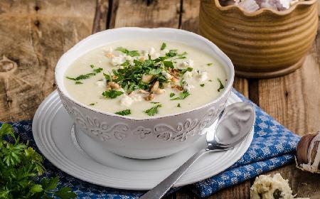Krem z białych warzyw z lazurem - przepis z menu beszamel