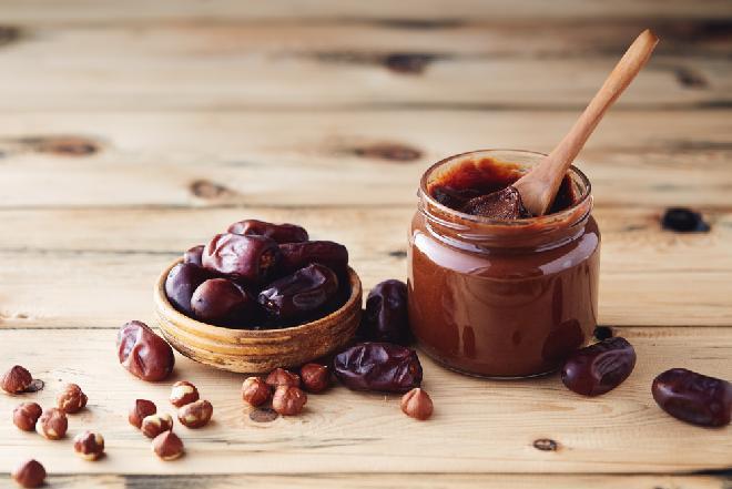 Nutella z daktyli - przepis na zdrowy krem czekoladowy