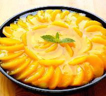 Szybka tarta z brzoskwiniami: sprawdzony przepis