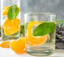 Świąteczny drink mandarynkowy z ginem i prosecco lub dowolnym winem musującym