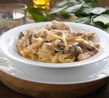 Makaron z pieczarkami i ricottą - pyszne danie w 15 minut