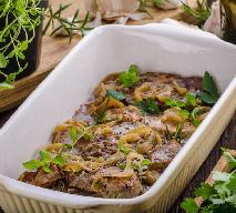 Wspaniały schab w sosie cebulowym - ekstra danie z kilku składników