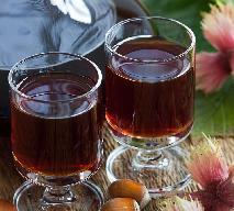 Aromatyczny likier z orzechów laskowych: łatwy przepis na jadalny prezent