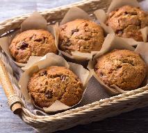 Gryczane muffinki czekoladowe z rodzynkami: łatwy przepis na bezglutenowe babeczki