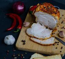 Szynka wieprzowa pieczona z trzema rodzajami pieprzu, czyli przepis na pieprzną szynkę