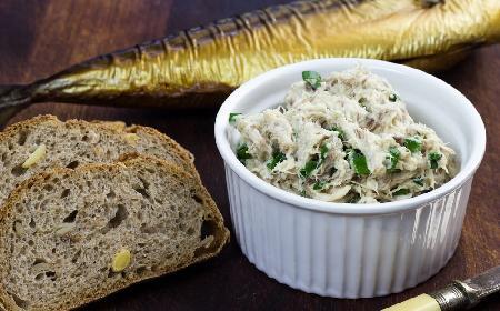 Pasta z wędzonej  makreli - zdrowy i smakowity dodatek do pieczywa