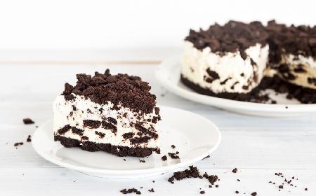 Błyskawiczny sernik OREO bez pieczenia: lodowy deser gotowy w 15 minut